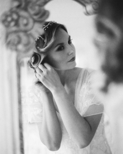 Bride_mirror_photo_06