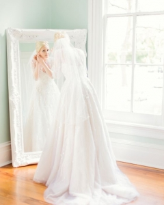 Bride_mirror_photo_10