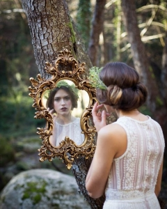 Bride_mirror_photo_12