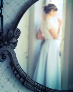 Bride_mirror_photo_13