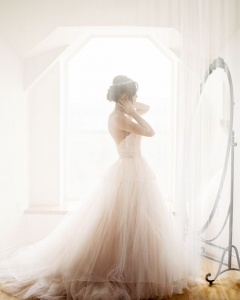 Bride_mirror_photo_15