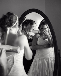 Bride_mirror_photo_17
