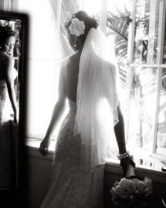 Bride_mirror_photo_19