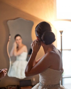 Bride_mirror_photo_30