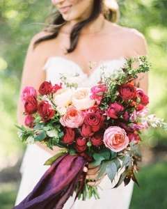 Rich_wedding_bouquet_10