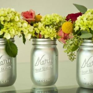 silver-painted-mason-jar-vases