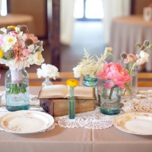 vintage-wedding-centerpieces