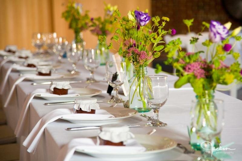 Стол для подарков на свадьбу 821