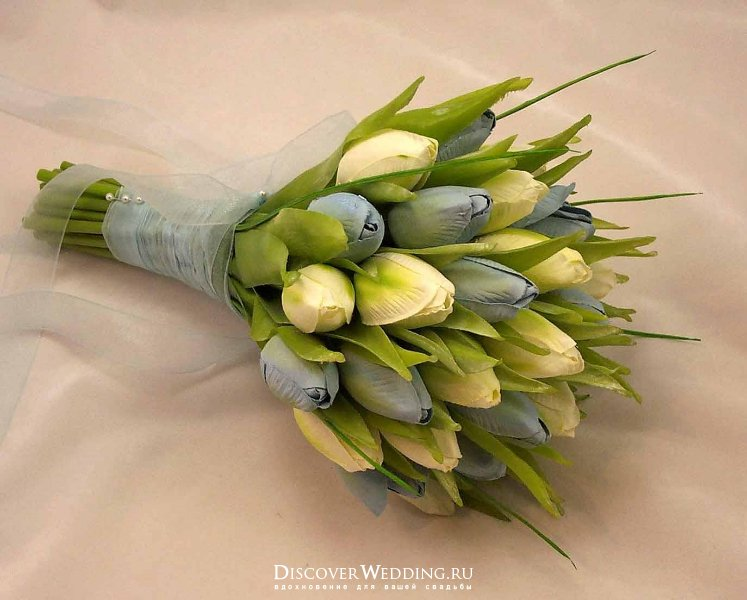 Как оформить букет из тюльпанов своими руками видео