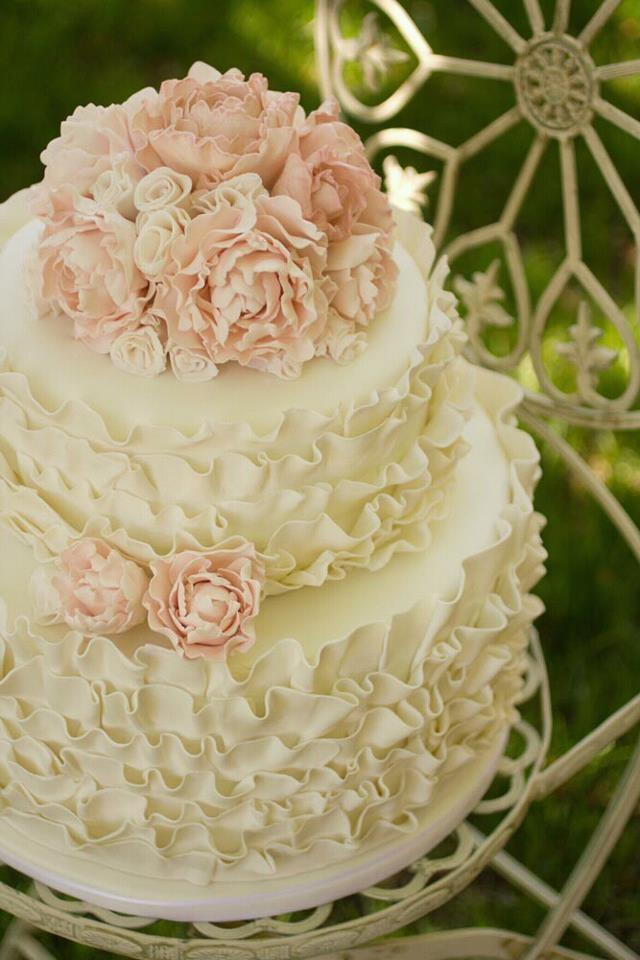 Как украшать торты с кремом на свадьбу