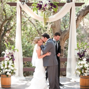 fabric_wedding_arch_02