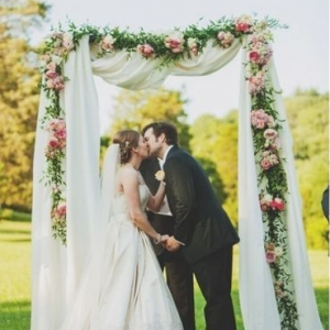fabric_wedding_arch_03