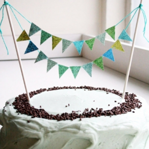 glitter-cake-bunting