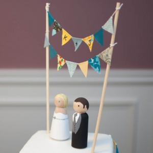 yellow-blue-bunting-cake-2-1024x680