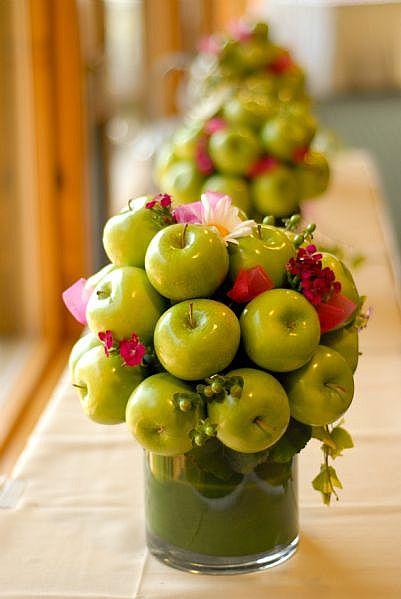 Цветы из целых фруктов своими руками