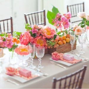 peach-fruit-box-centerpiece