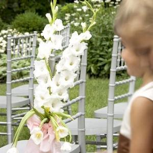 gladiolusy-v-svadebnoj-floristike-11