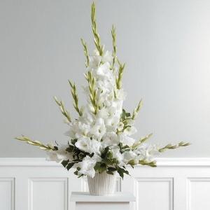 gladiolusy-v-svadebnoj-floristike-17