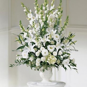 gladiolusy-v-svadebnoj-floristike-22