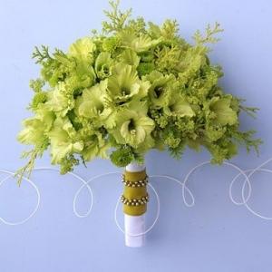 gladiolusy-v-svadebnoj-floristike-25