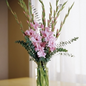 gladiolusy-v-svadebnoj-floristike-27