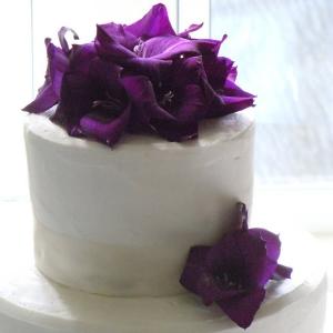 gladiolusy-v-svadebnoj-floristike-32