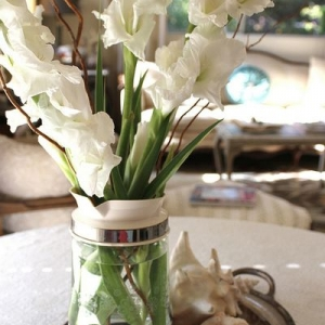 gladiolusy-v-svadebnoj-floristike-33
