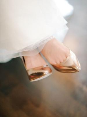 gold_bridal_shoes_01