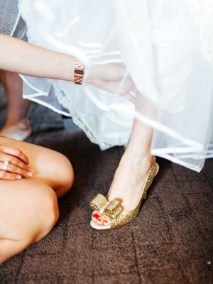 gold_bridal_shoes_03