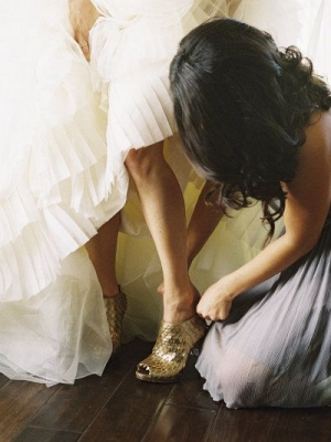 gold_bridal_shoes_06