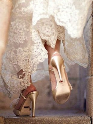 gold_bridal_shoes_08