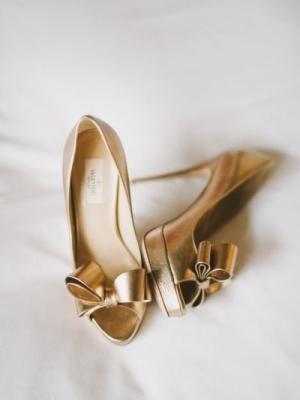 gold_bridal_shoes_13