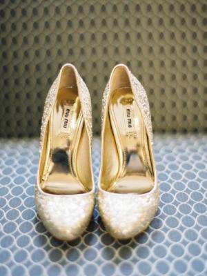 gold_bridal_shoes_20