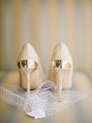 gold_bridal_shoes_22