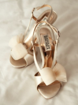 gold_bridal_shoes_23