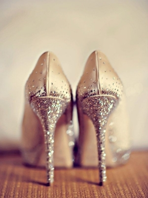 gold_bridal_shoes_24
