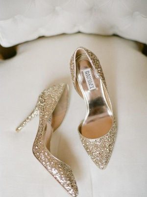 gold_bridal_shoes_25