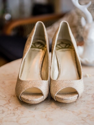 gold_bridal_shoes_31