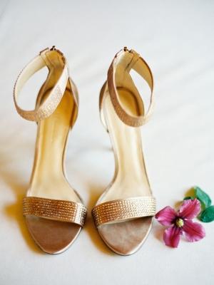 gold_bridal_shoes_43