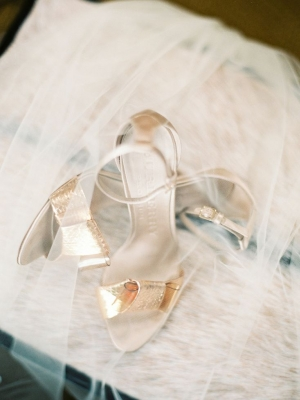gold_bridal_shoes_44