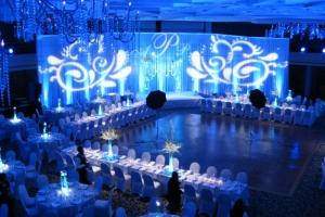 hudozhestvennyj-svet-v-oformlenii-svadby-12