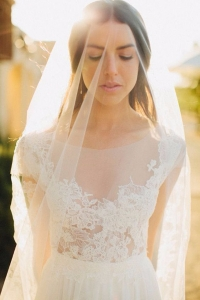 illusion_neckline_bride_01