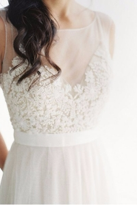 illusion_neckline_bride_07