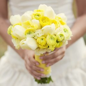 yellow-bridal-bouquet