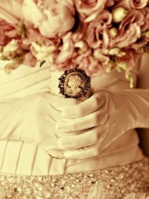 svadebnii-buket-nevesti-s-kameei-0015