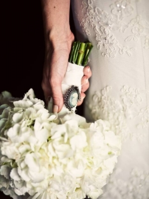 svadebnii-buket-nevesti-s-kameei-0027