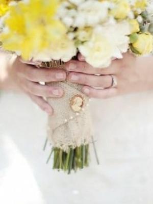 svadebnii-buket-nevesti-s-kameei-0035