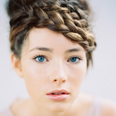 braided-wedding-hairstyle-tec-petaja