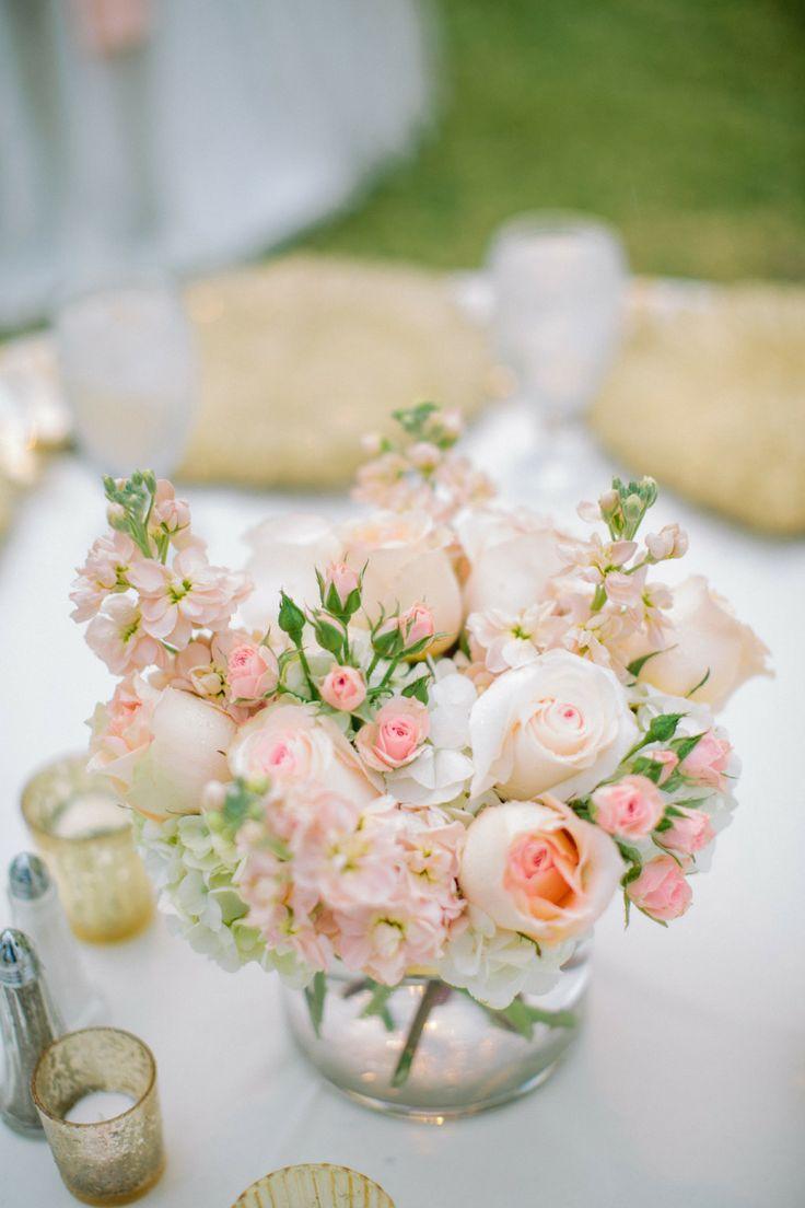 Самые стильные цветы в вазах на свадебных столах мира фото