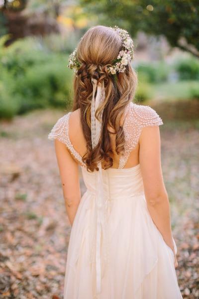 Свадебная прическа в стиле рустик